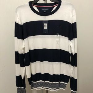 NWT Men's Tommy Hilfiger pull over sweater